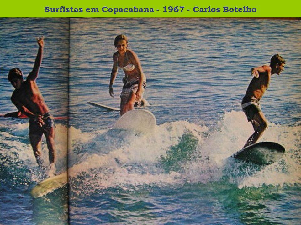 Aterro da orla de Copacabana para duplicação - 1969 - Anônimo