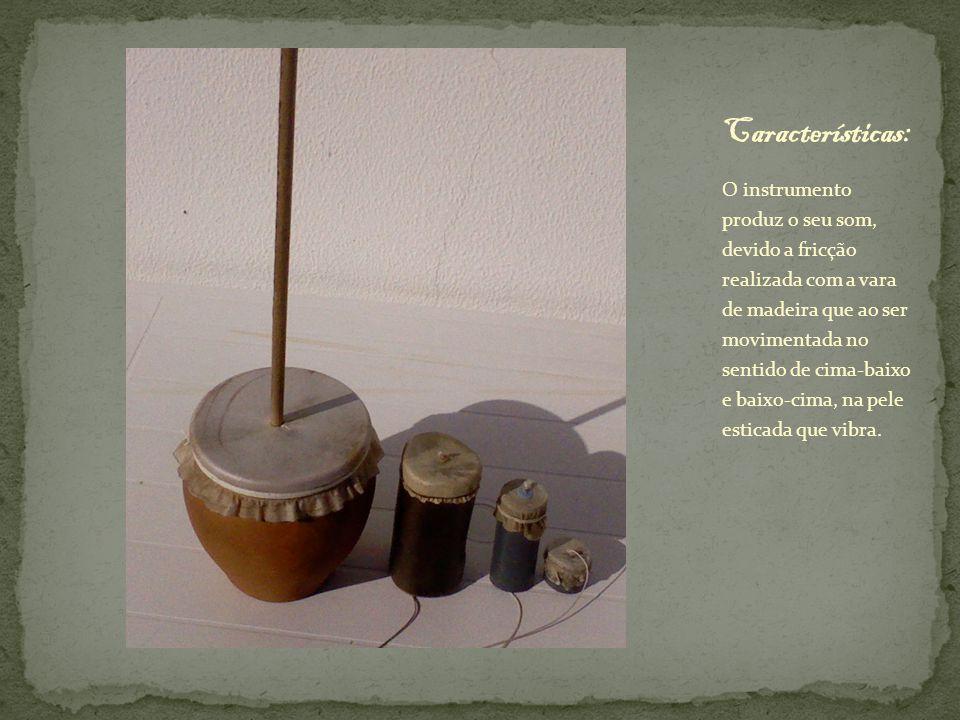 A sarronca, é exclusivamente utilizada na região do Alto Alentejo, principalmente na região de Elvas e Barrancos, onde é tocada apenas na época natalícia e nas janeiras, acompanhando os cantares tradicionais alentejanos.