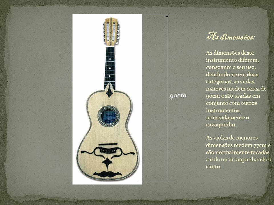 As principais características da viola braguesa são: Possuí uma abertura central em forma de boca de raia , sendo as mais antigas fabricadas ainda com boca redonda.