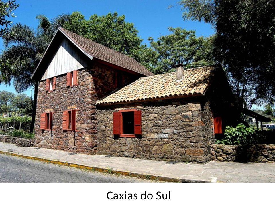 Replicas de casas de colonos italianos que estavam em exposição na Festa da Uva em Caxias do Sul.