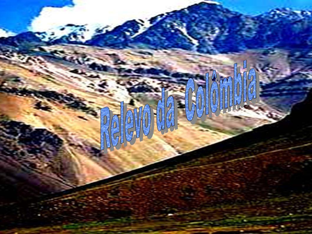 O Relevo da Colômbia tem as seguintes características: planícies costeiras; cordilheira dos Andes (de N a S); bacias hidrográficas a L (Amazônica e do Orinoco) (60% do território).RelevoColômbiaplanícies costeirascordilheira dos Andesbacias hidrográficasAmazônicaOrinoco Na Colômbia, onde têm sua extremidade norte, os Andes dividem-se em três ramos principais: as cordilheiras Ocidental, Central e Oriental.ColômbiaAndescordilheirasOcidentalCentral Oriental A cordilheira Ocidental estende-se do Equador até a planície do mar das Antilhas, seguindo aproximadamente a linha do Pacífico.cordilheira OcidentalEquadormar das AntilhasPacífico A cordilheira Central ou Quindío, a mais alta das três, é separada da Ocidental pelo vale do rio Cauca e da Oriental pelo vale do rio Magdalena, terminando em colinas baixas perto da confluência dos dois rios.cordilheira Centralrio Caucario Magdalena A cordilheira Oriental, formada por dobramentos cretáceos, divide abruptamente a região montanhosa de norte e oeste das planícies baixas do interior, que compreendem metade da área total do país.cordilheira Orientalcretáceosplanícies