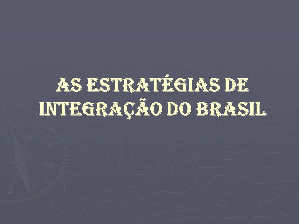 A estratégia de integração econômica adotada pelo Brasil (vide tabela 1) teve como principal objetivo a formação e consolidação do Mercosul e o estabelecimento de três principais frentes de negociação, que envolvem as negociações com os Estados Unidos para a formação da ALCA (Área de Livre Comércio das Américas); as negociações com a União Européia para a criação de uma associação inter-regional de cooperação entre os dois blocos; e as negociações com os países da região para o estabelecimento de Acordos de Complementação Econômica (ACE).