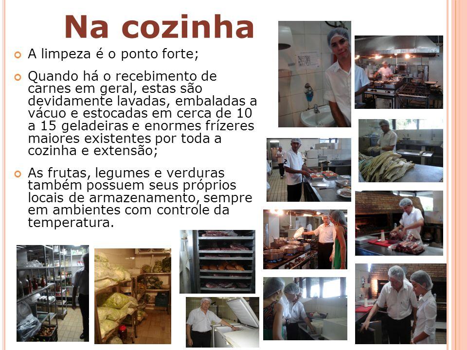 Nada é importado diretamente (vinhos, bacalhau, picanha, azeites, etc.) – a maioria vêm de São Paulo; Fornecedores fiéis e duradouros.