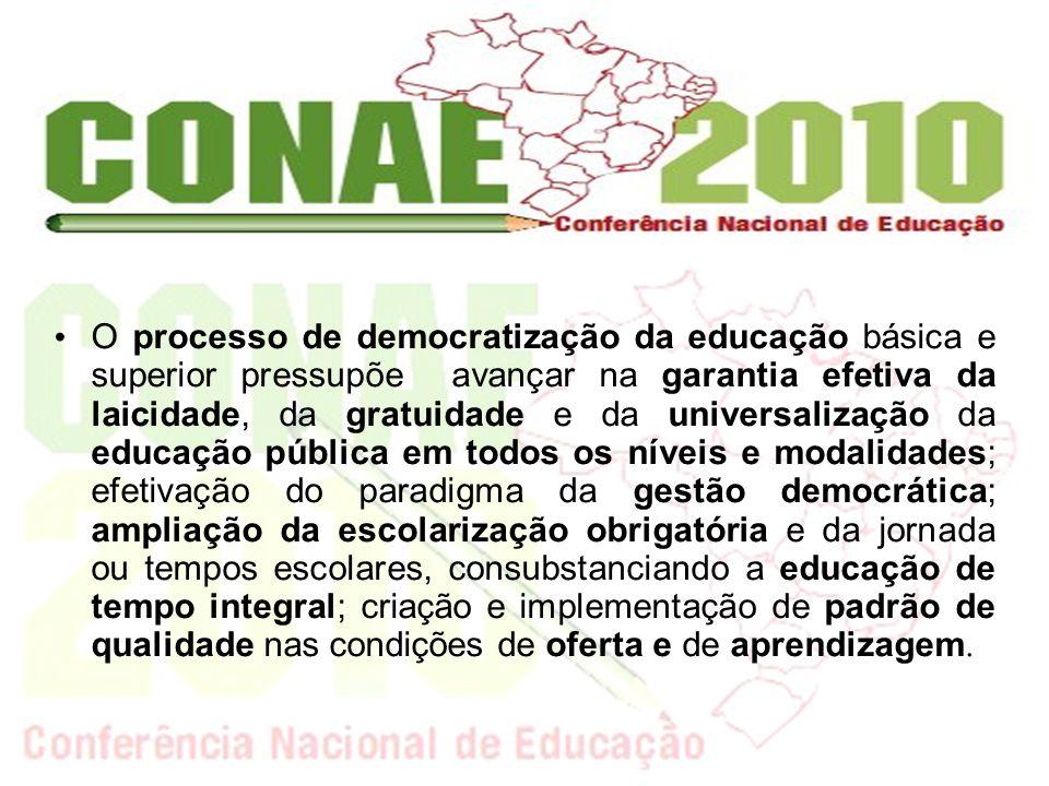 Para analisar a democratização da educação é importante verificar indicadores que dão a dimensão do acesso, permanência e sucesso dos estudantes no processo educativo.