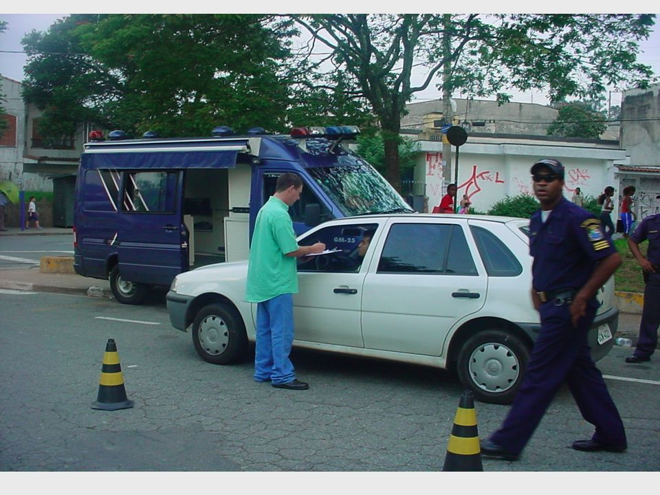 Número de Motoristas MotoristasRecusas Diadema100015% Belo Horizonte100042% Santos 50029% Vitória 59037% São Paulo251024% TOTAL560028%
