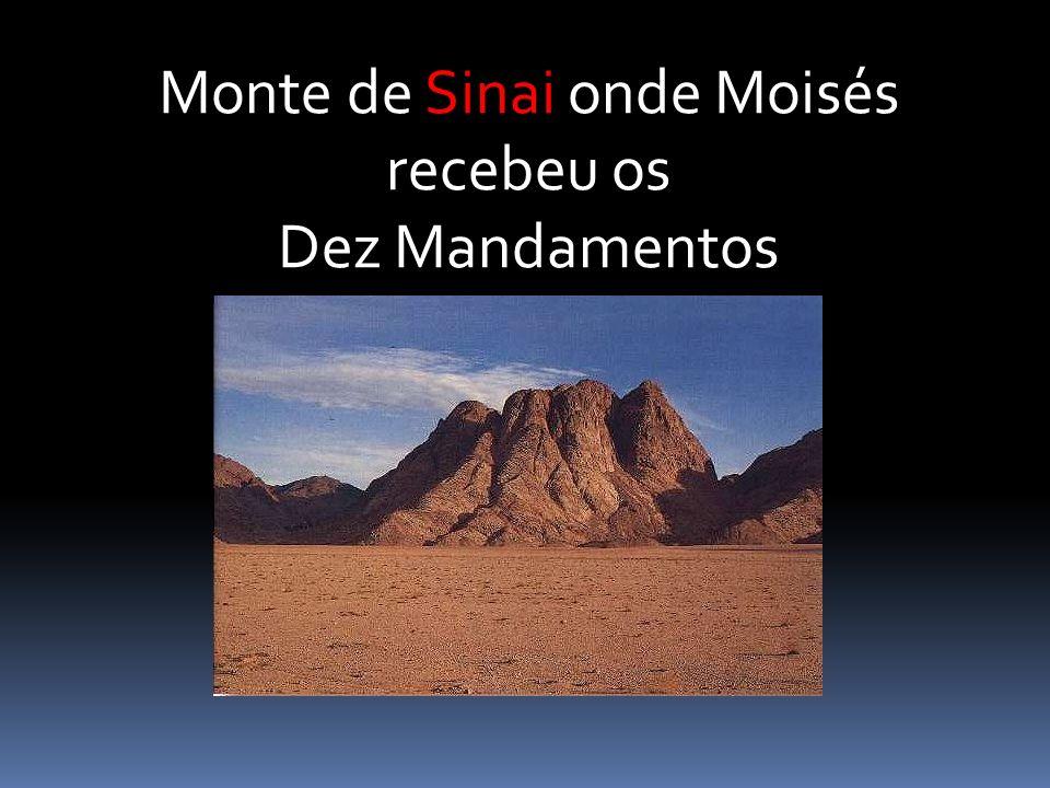 Monte de Sinai onde Moisés recebeu os