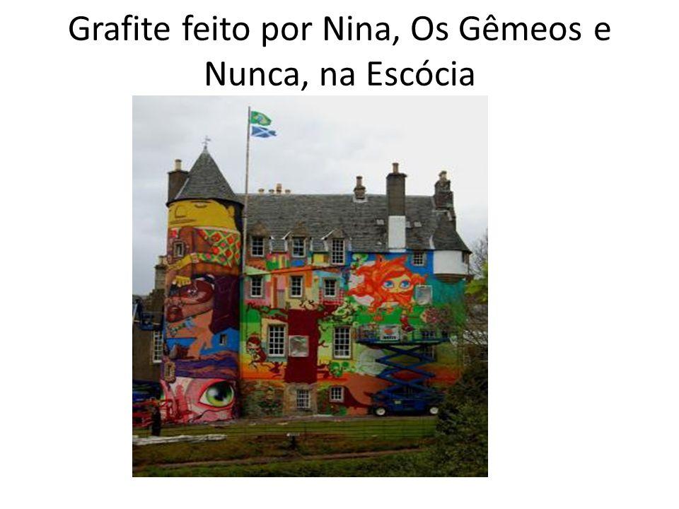 Grafite feito por Nina, Os Gêmeos e Nunca, na Escócia
