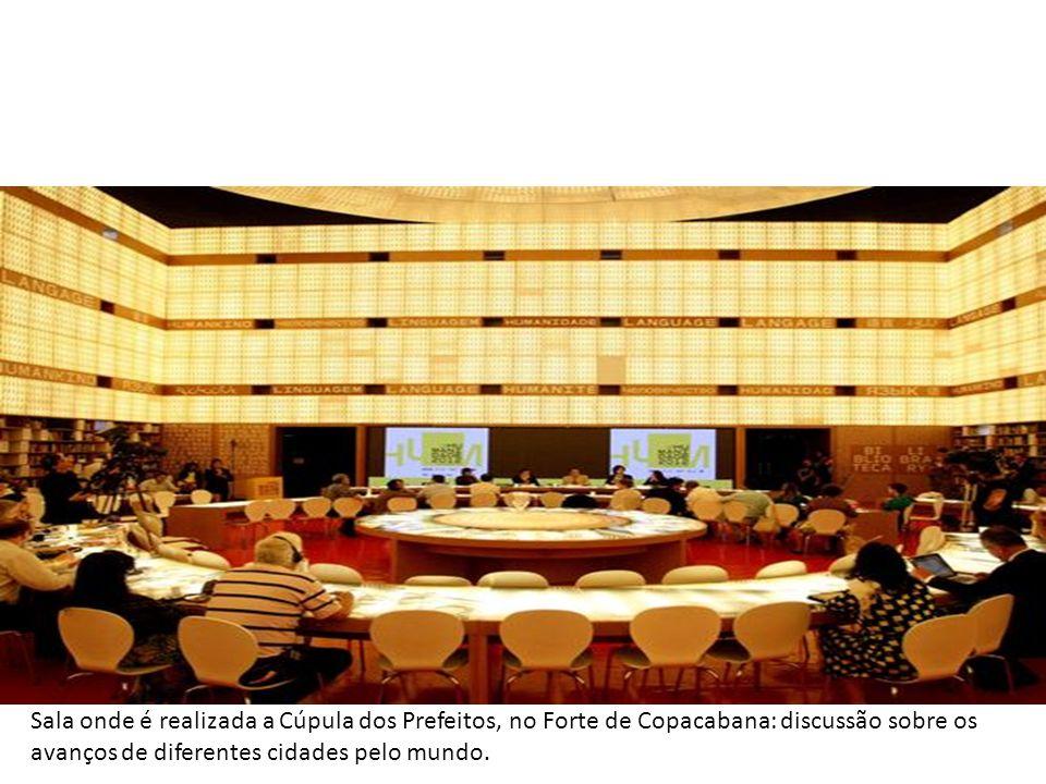 O Rio de Janeiro ficou na berlinda na tarde do domingo dia 17/18 de junho numa mesa redonda sobre Cidades Sustentáveis e Justas no Forte de Copacabana. Copacabana – RJ – Junho de 2012