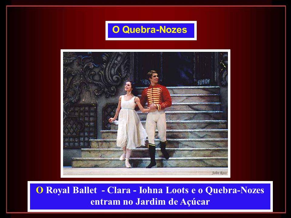 O Quebra-Nozes O Royal Ballet - Clara - Iohna Loots e o Quebra-Nozes entram no Jardim de Açúcar