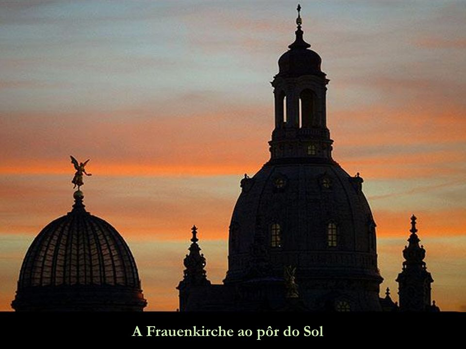 A Frauenkirche ao pôr do Sol