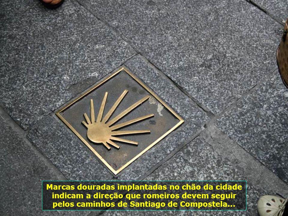 IMG_1489 - ESPANHA - SALAMANCA - SÍMBOLO DO CAMINHO ATÉ SANTIAGO DE COMPOSTELA-700
