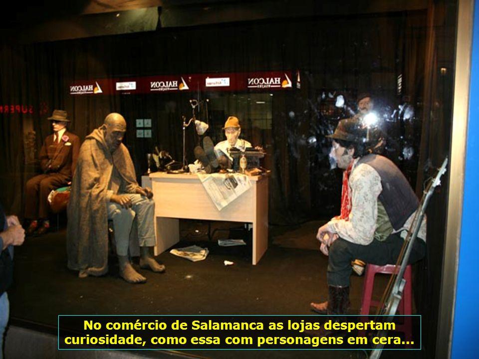 IMG_1606 - ESPANHA - SALAMANCA - VITRINES-700