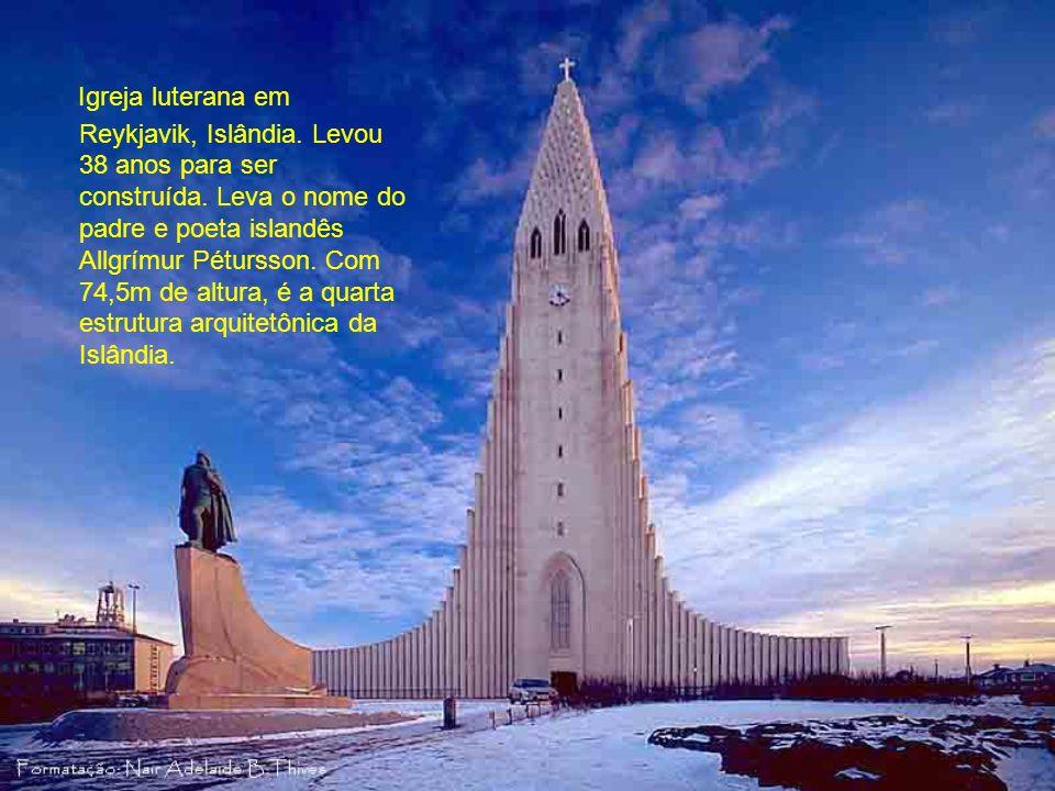Igreja luterana em Reykjavik, Islândia