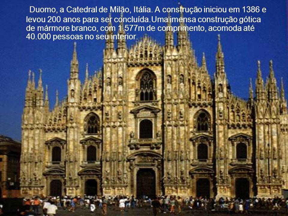 Duomo, a Catedral de Milão, Itália