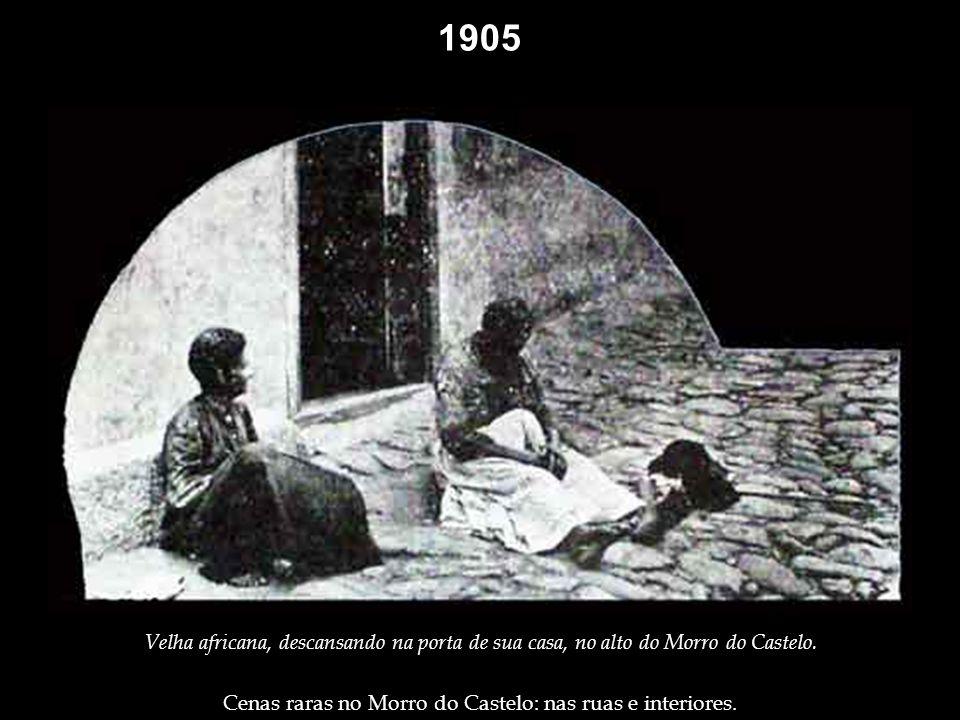1905 Interior de uma casa no Morro do Castelo: grupo jogando bisca, jogo de cartas que se utiliza do baralho espanhol (de 40 cartas).