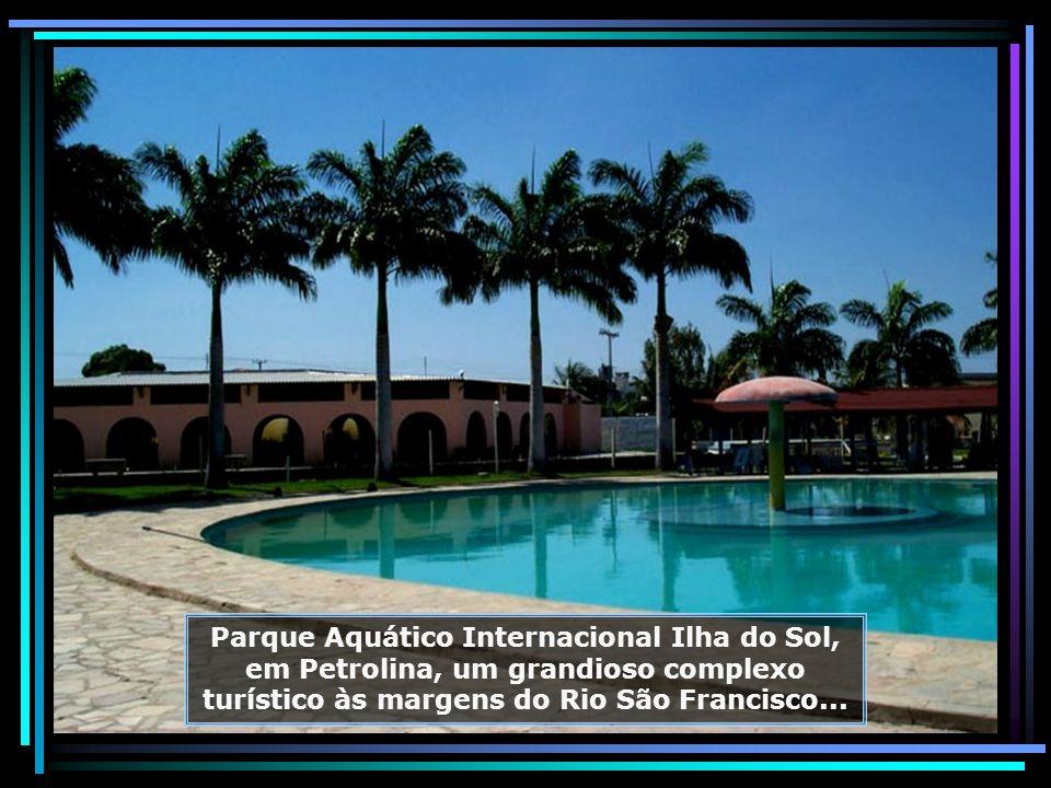 P0015505 - PETROLINA - PARQUE AQUÁTICO INTERNAC. ILHA DO SOL-680