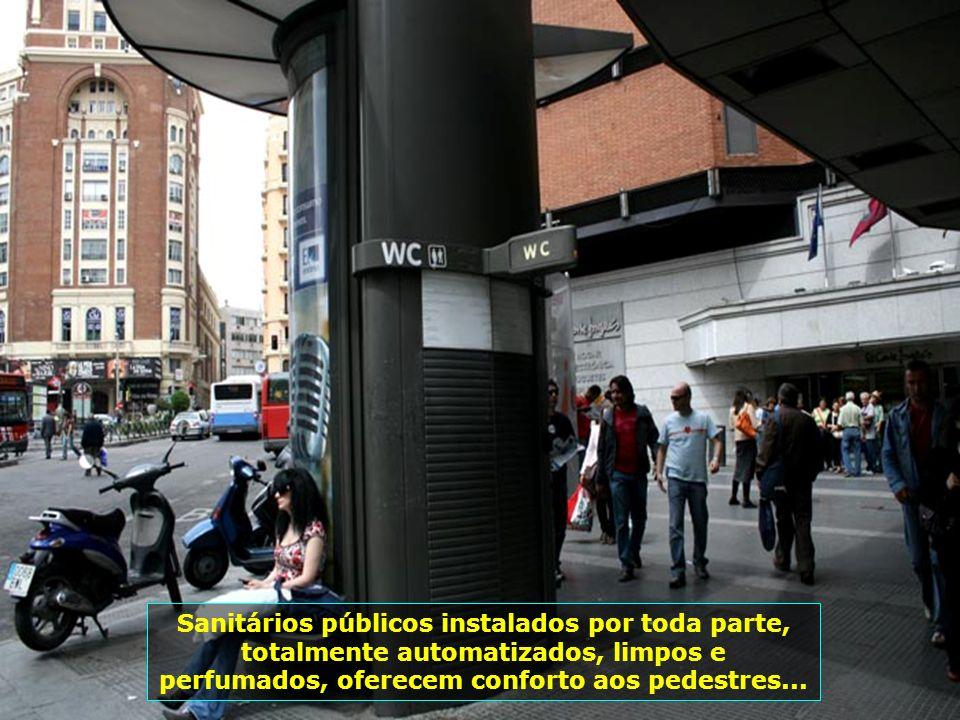 IMG_1184 - ESPANHA - MADRID - WC PÚBLICO-700