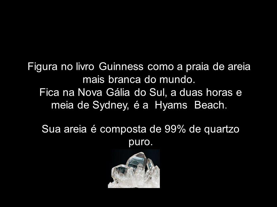 Figura no livro Guinness como a praia de areia mais branca do mundo.