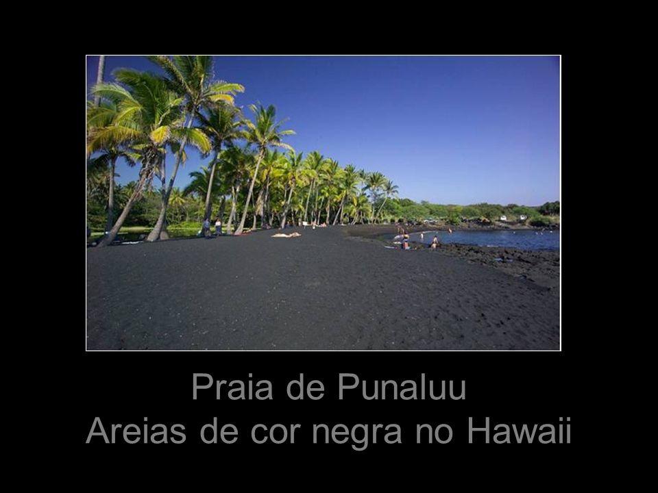 Areias de cor negra no Hawaii