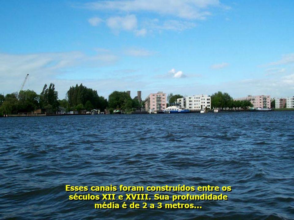 P0005980 - AMSTERDAM - PASSEIO DE BARCO DIURNO-700.jpg