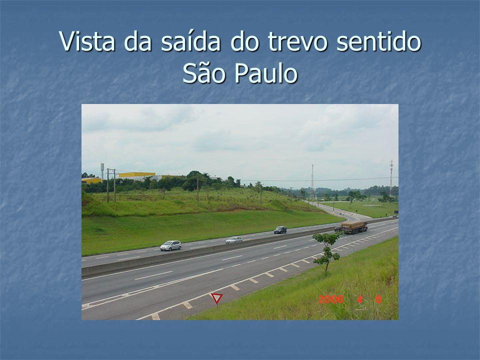 Vista da saída do trevo sentido São Paulo