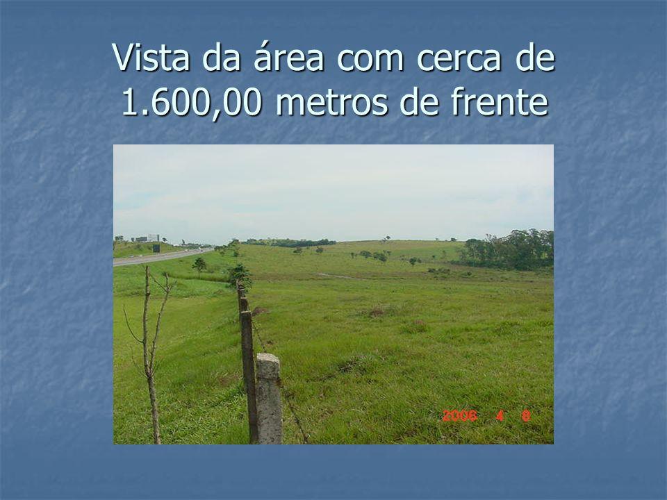 Vista da área com cerca de 1.600,00 metros de frente