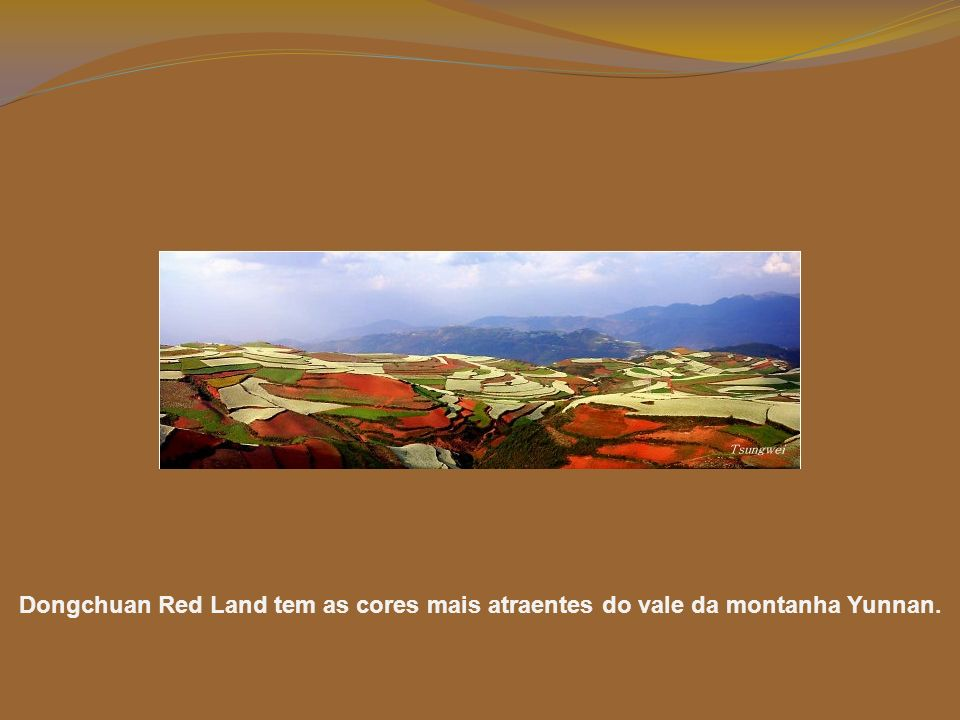 Dongchuan Red Land tem as cores mais atraentes do vale da montanha Yunnan.