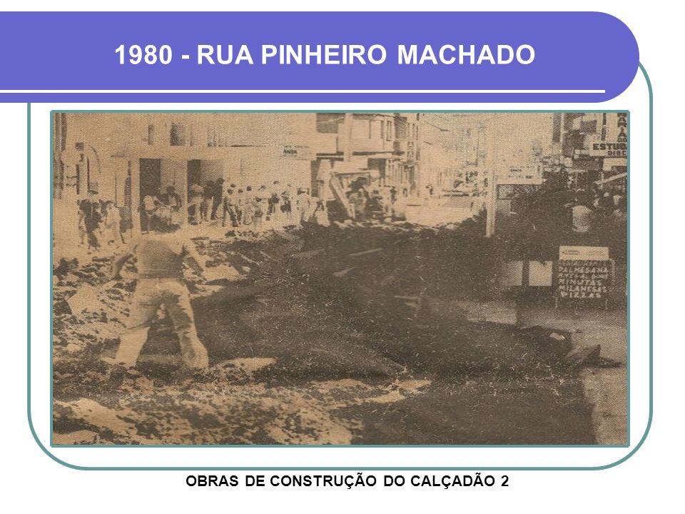 OBRAS DE CONSTRUÇÃO DO CALÇADÃO 2