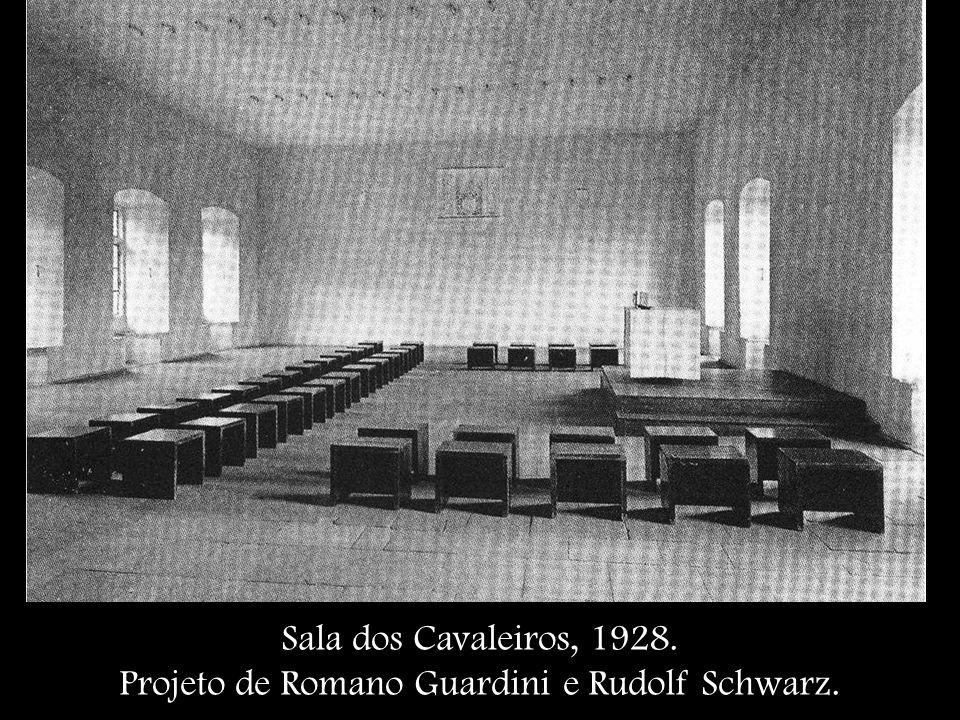 Projeto de Romano Guardini e Rudolf Schwarz.