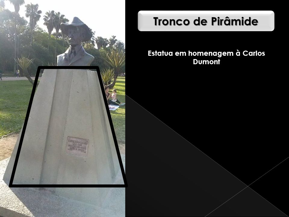 Estatua em homenagem à Carlos Dumont