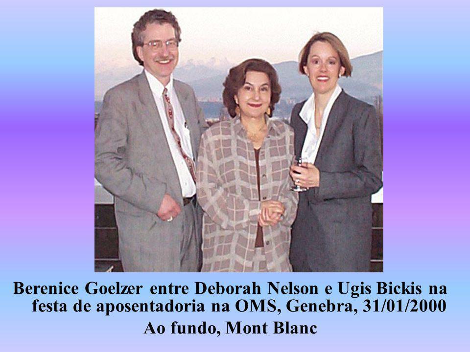 Berenice Goelzer entre Deborah Nelson e Ugis Bickis na festa de aposentadoria na OMS, Genebra, 31/01/2000