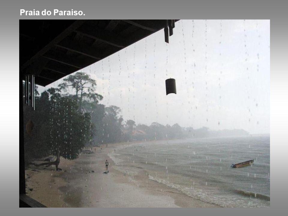Praia do Paraiso.