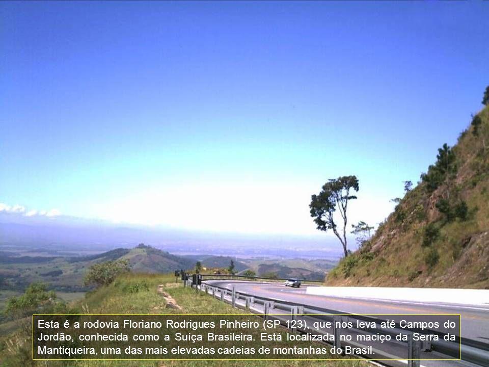 Esta é a rodovia Floriano Rodrigues Pinheiro (SP 123), que nos leva até Campos do Jordão, conhecida como a Suíça Brasileira.