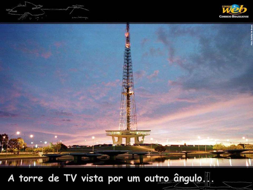 A torre de TV vista por um outro ângulo...
