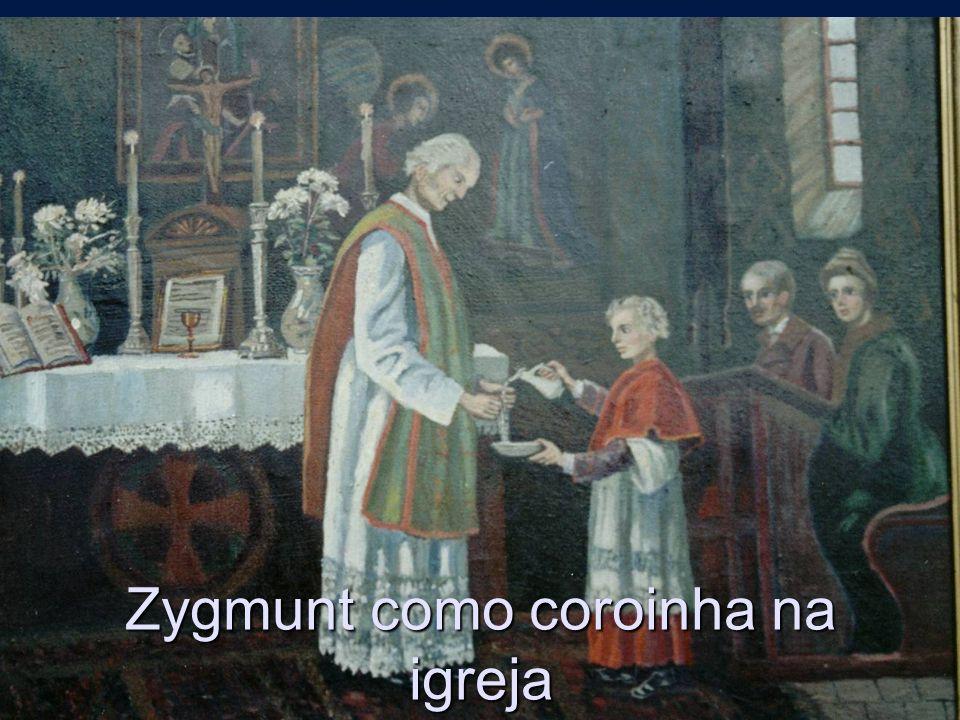 Zygmunt como coroinha na igreja