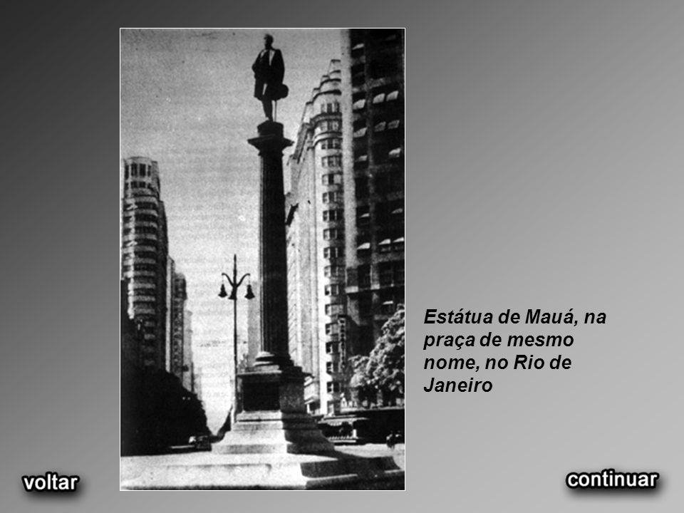 Estátua de Mauá, na praça de mesmo nome, no Rio de Janeiro