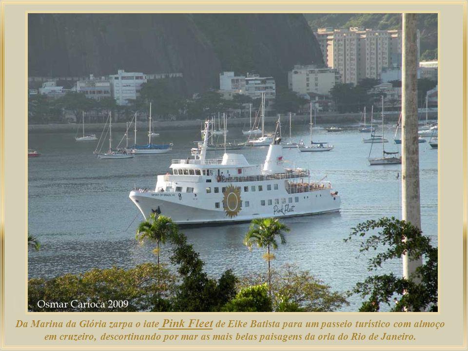 Da Marina da Glória zarpa o iate Pink Fleet de Eike Batista para um passeio turístico com almoço em cruzeiro, descortinando por mar as mais belas paisagens da orla do Rio de Janeiro.