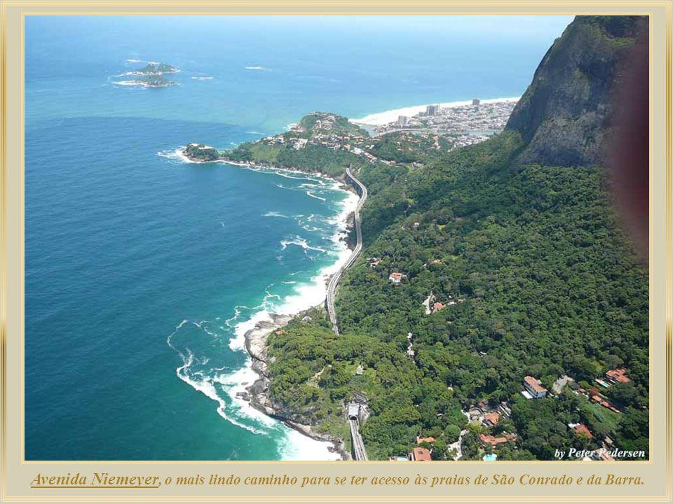 Avenida Niemeyer, o mais lindo caminho para se ter acesso às praias de São Conrado e da Barra.