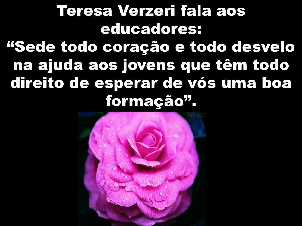 Teresa Verzeri fala aos educadores: