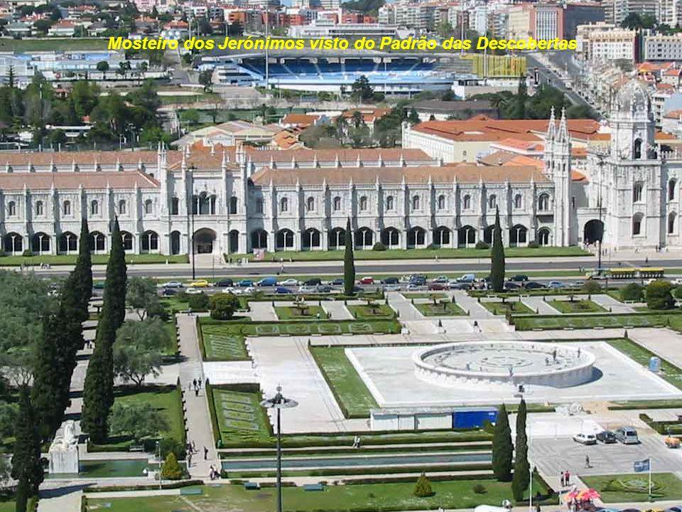 Mosteiro dos Jerónimos visto do Padrão das Descobertas