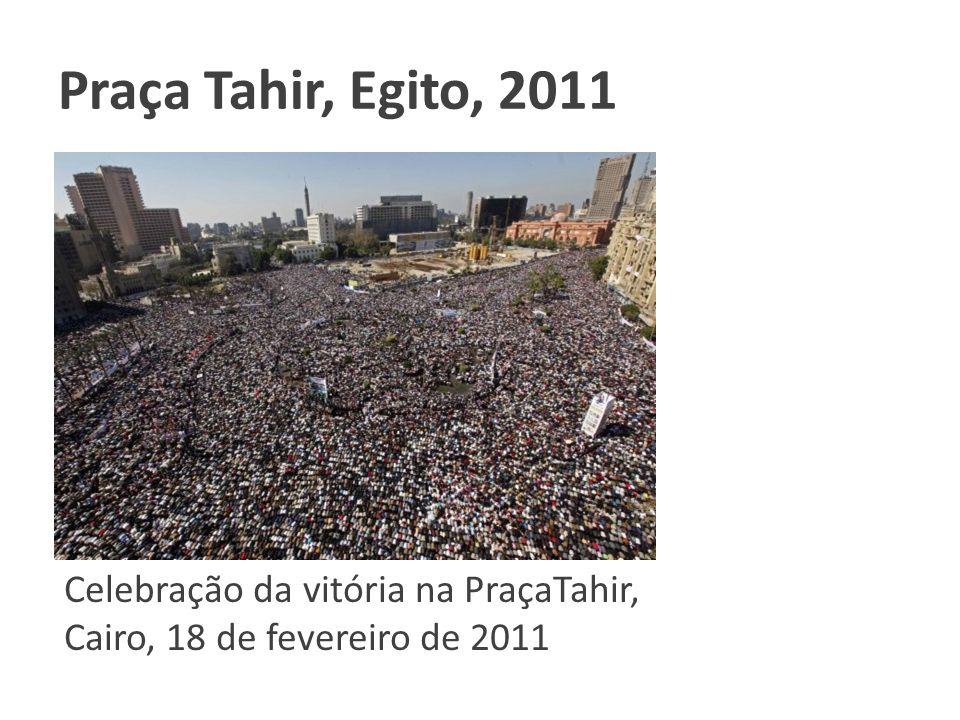Praça Tahir, Egito, 2011 Clique para adicionar texto.