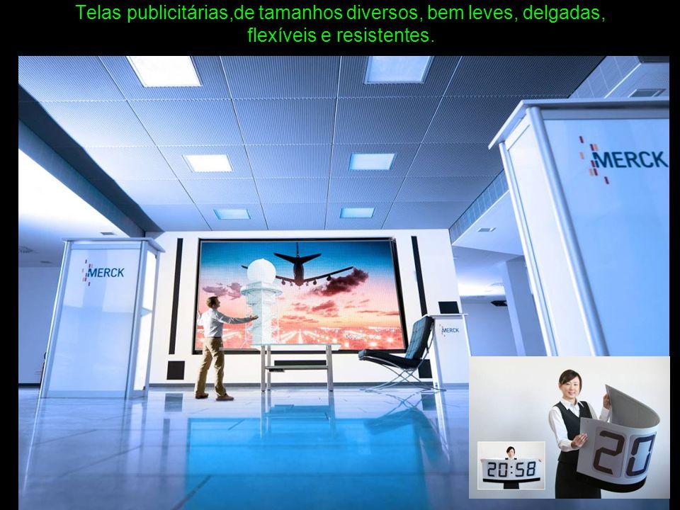 Telas publicitárias,de tamanhos diversos, bem leves, delgadas, flexíveis e resistentes.