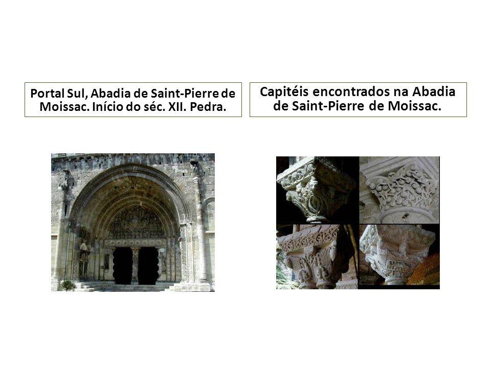 Capitéis encontrados na Abadia de Saint-Pierre de Moissac.