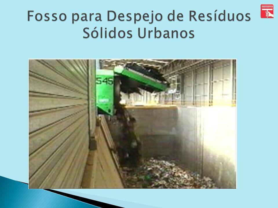 Fosso para Despejo de Resíduos Sólidos Urbanos
