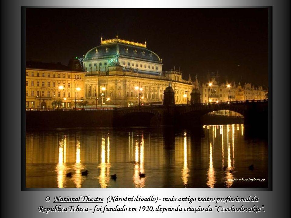 O National Theatre (Národní divadlo) - mais antigo teatro profissional da República Tcheca - foi fundado em 1920, depois da criação da Czechoslovakia .