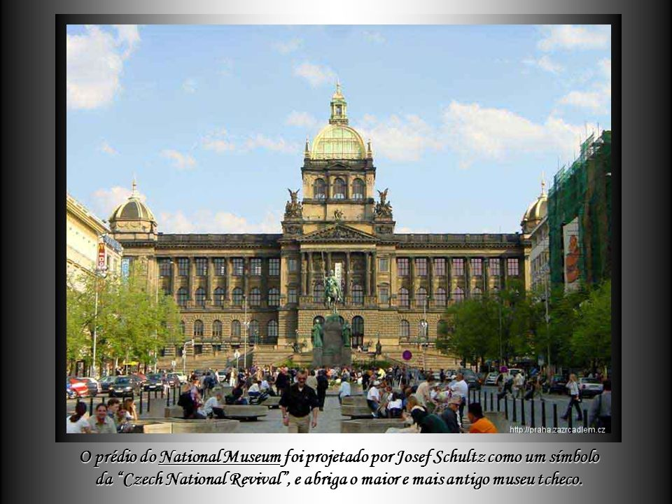 O prédio do National Museum foi projetado por Josef Schultz como um símbolo