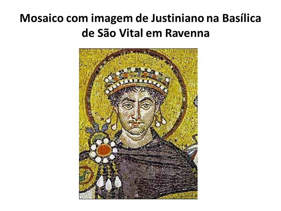 Mosaico com imagem de Justiniano na Basílica de São Vital em Ravenna