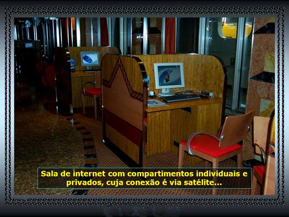 P0012876 - NAVIO COSTA FORTUNA - SALAS PARA INTERNET-650