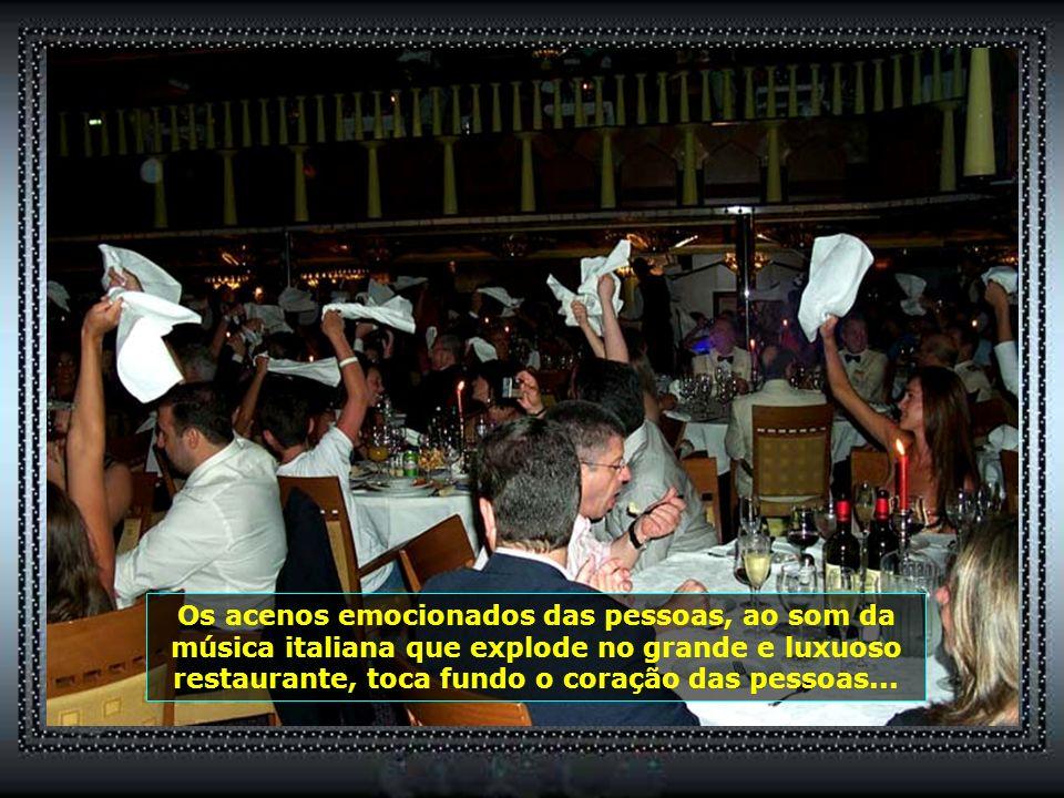 P0013221 - NAVIO COSTA FORTUNA - JANTAR EM FESTA - LENÇOS ACENADOS-700
