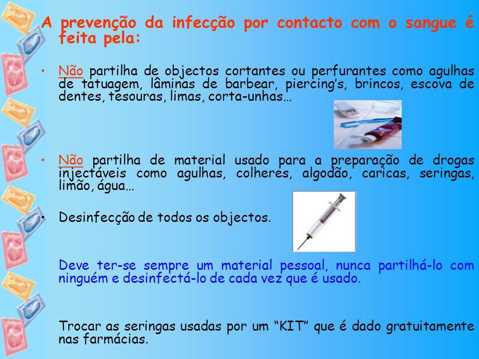 A prevenção da infecção por contacto com o sangue é feita pela: